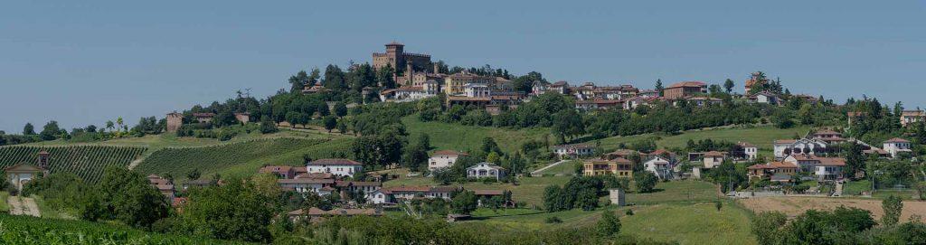 Un tipico paese sui colli del Monferrato in Piemonte