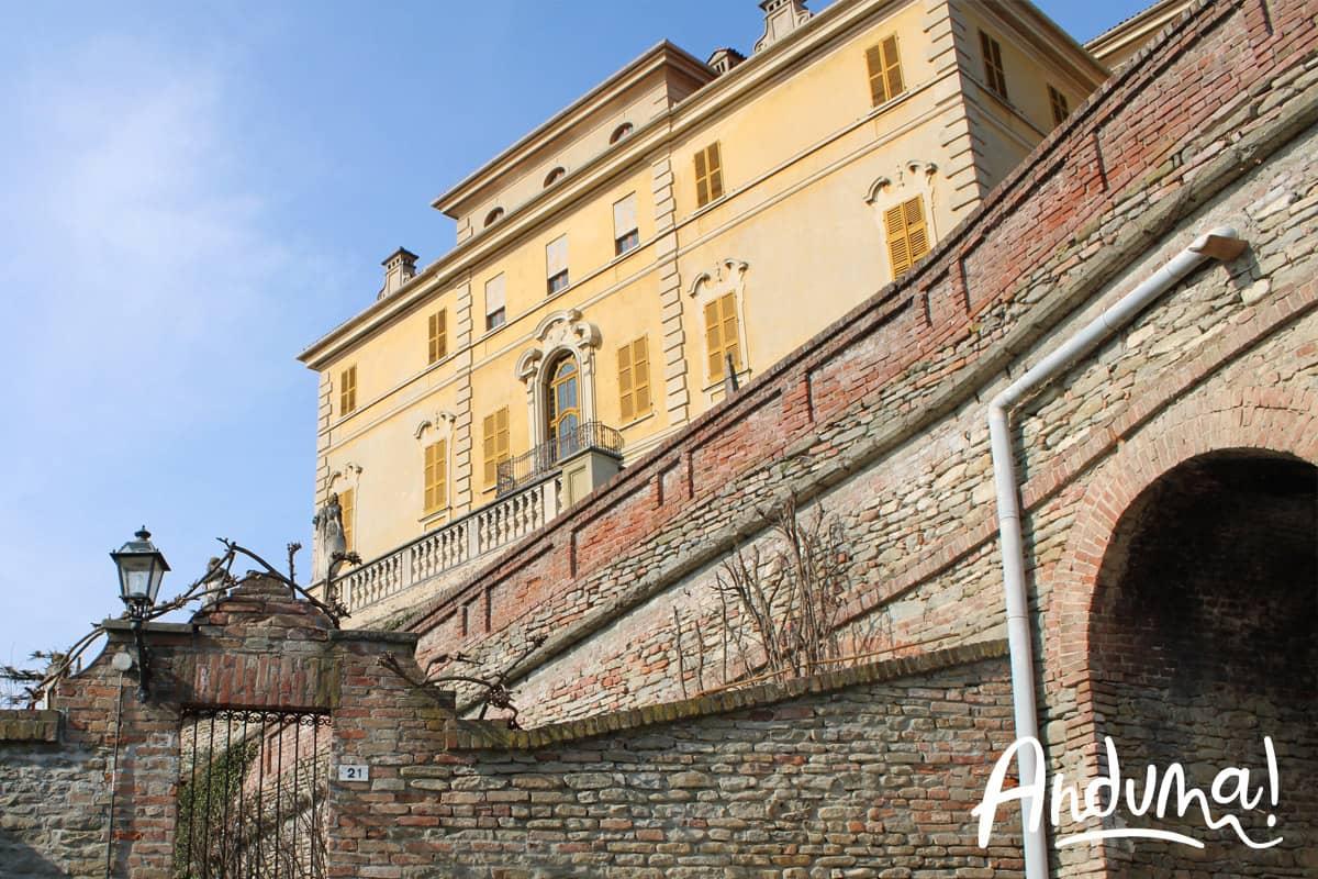 castello gancia canelli piemonte