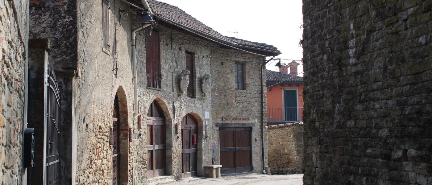 bandiere arancioni touring club monferrato